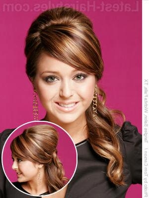 11 Romantic Side Ponytails For Long Hair Inside Long Hairstyles To The Side (View 1 of 15)