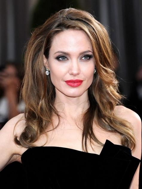 14 Angelina Jolie Hairstyles – Popular Haircuts In Long Voluminous Hairstyles (View 3 of 15)