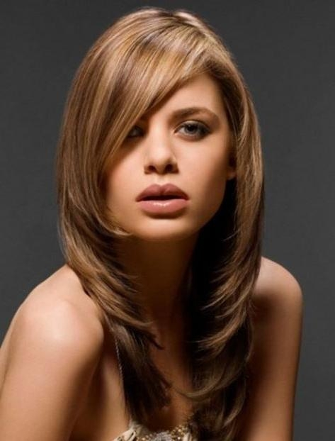15 Medium Haircuts For Women Regarding Long Hairstyles That Frame Your Face (View 1 of 15)