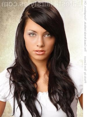 19 Unbelievably Easy Hairstyles For Long Hair Inside Long Hairstyles Dark Hair (View 8 of 15)