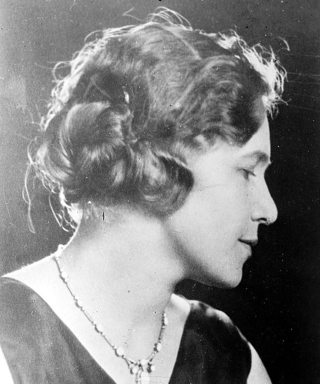 1920S Hairstyles History  Long Hair To Bobbed Hair For Long Hairstyles Of The 1920S (View 2 of 15)