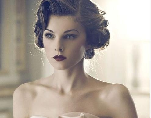 25 Classic And Beautiful Vintage Wedding Hairstyles – Hottest Haircuts Inside Vintage Updos For Long Hair (View 3 of 15)