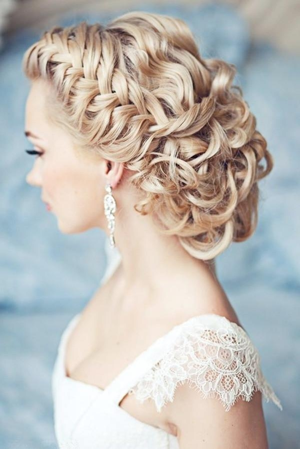25 Classic And Beautiful Vintage Wedding Hairstyles – Hottest Haircuts Pertaining To Vintage Updos For Long Hair (View 4 of 15)