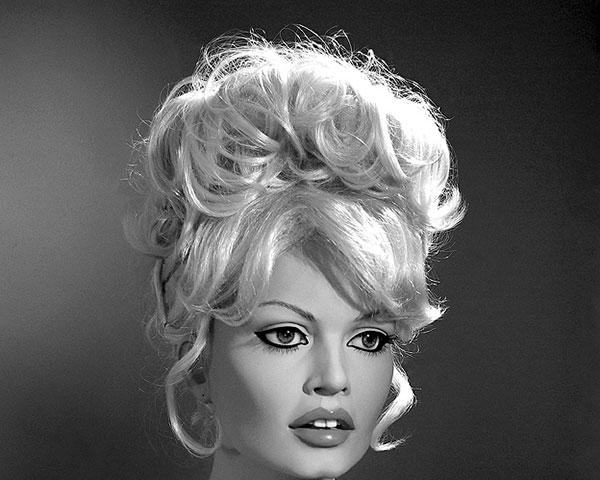 25 Sexy Vintage Hairstyles For Long Hair – Slodive With Vintage Haircuts For Long Hair (View 2 of 15)