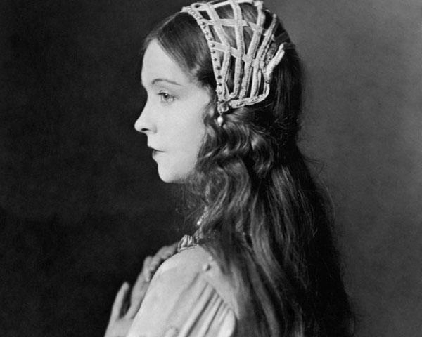30 Breathtaking 1920s Hairstyles – Slodive Pertaining To Long Hairstyles Of The 1920s (View 3 of 15)