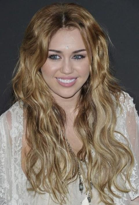 30 Miley Cyrus Hairstyles – Pretty Designs For Long Hairstyles Blonde (View 8 of 24)
