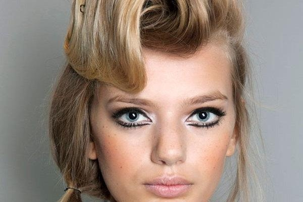 30 Sensational Hairstyles For Homecoming – Slodive With Long Quirky Hairstyles (View 15 of 15)