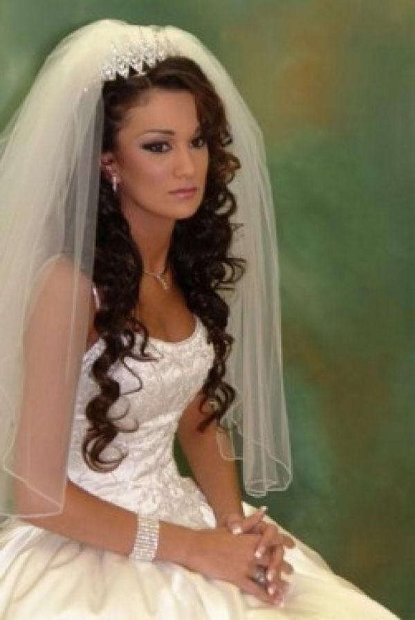 686 Best All Bridal Images On Pinterest | Marriage, Wedding Throughout Long Hairstyles Veils Wedding (View 2 of 15)