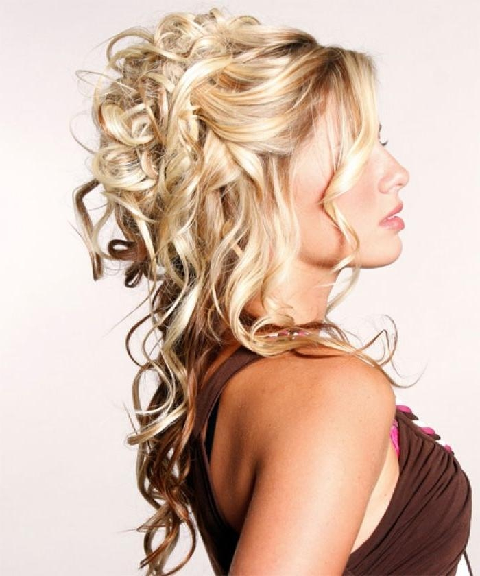 Best 25+ Down Curly Hairstyles Ideas On Pinterest | Curly Prom Within Long Hairstyles Half Up Curls (View 11 of 15)