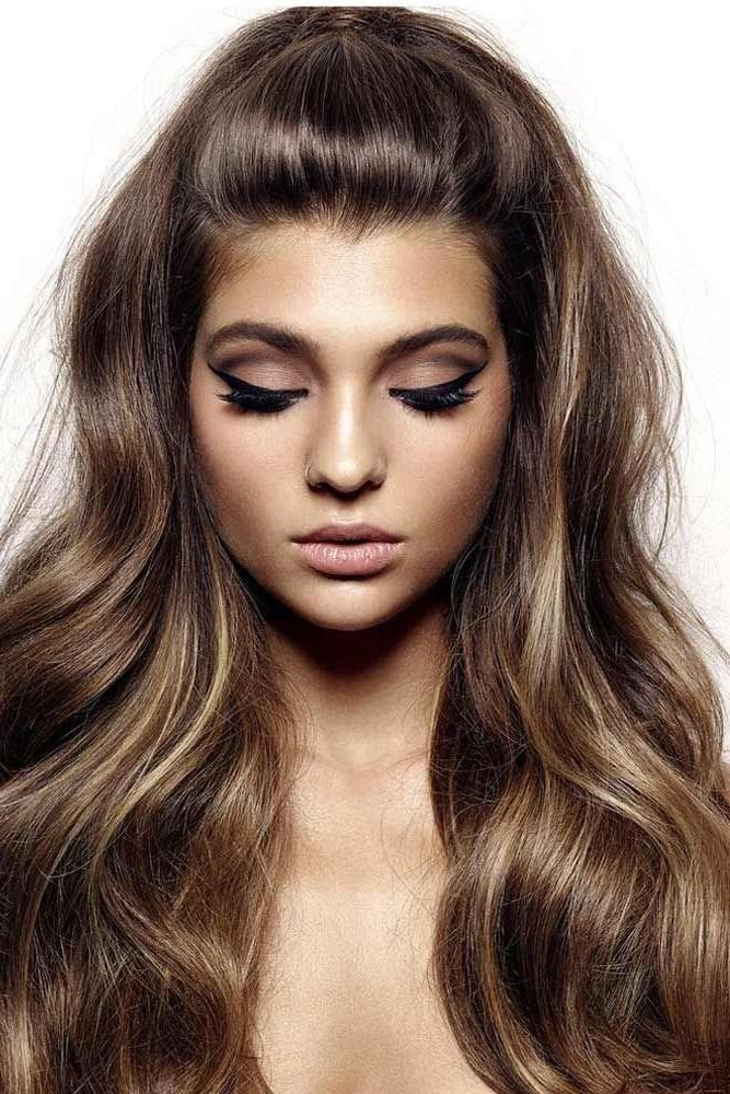 Best Hairstyles and Haircuts for Heart-Shaped Faces