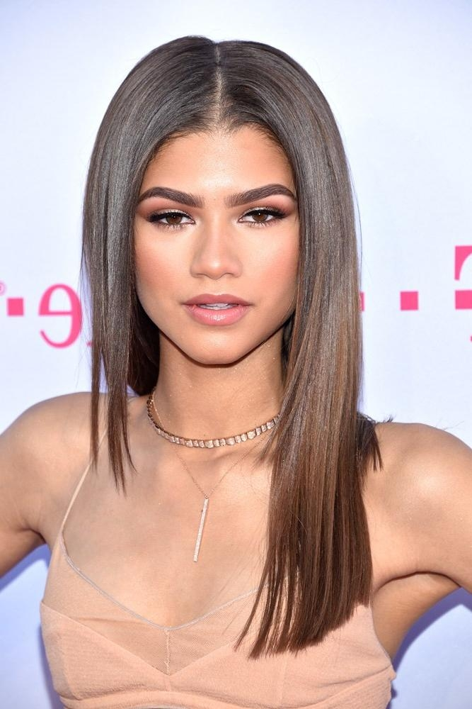 Best Medium Length Haircut Ideas | Teen Vogue With Regard To Zendaya Long Hairstyles (View 4 of 17)