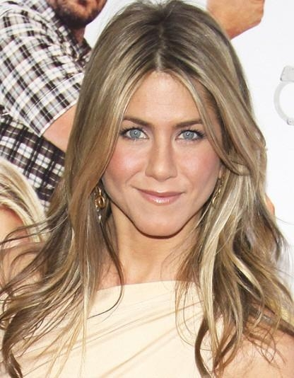 Jennifer Aniston Long Layered Hairstyles – Popular Haircuts With Long Layered Hairstyles Jennifer Aniston (View 9 of 15)