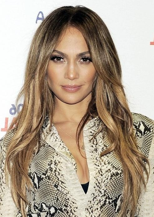 Jennifer Lopez Long Hairstyles: Center Part Hairstyle – Popular With Regard To Long Hairstyles Middle Part (View 11 of 15)