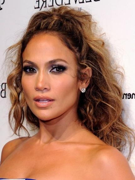 Jennifer Lopez Tousled Long Curly Hairstyle – Popular Haircuts Regarding Long Hairstyles Jennifer Lopez (View 13 of 15)