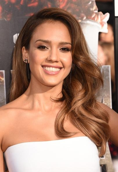 Jessica Alba Long Wavy Cut – Jessica Alba Looks – Stylebistro Inside Long Hairstyles Jessica Alba (Gallery 13 of 15)