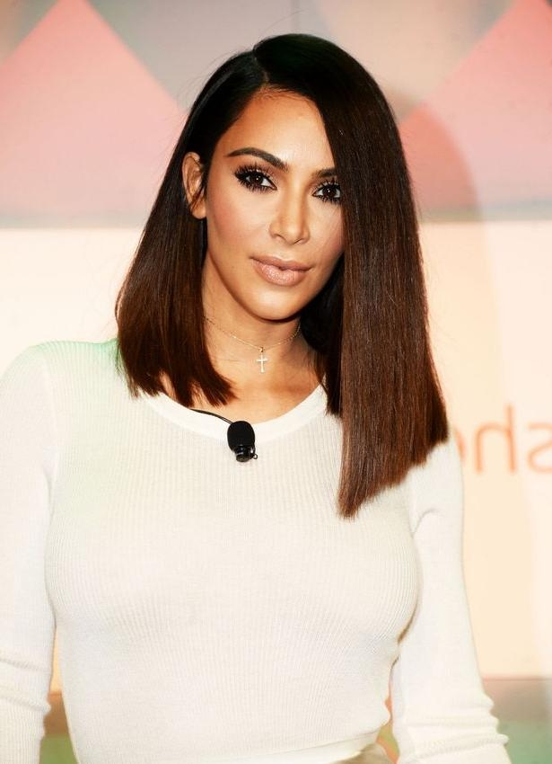 Kim Kardashian Admits Blunt Bob Haircut Is A Wig, As She Stuns In With Long Bob Hairstyles Kim Kardashian (View 11 of 15)