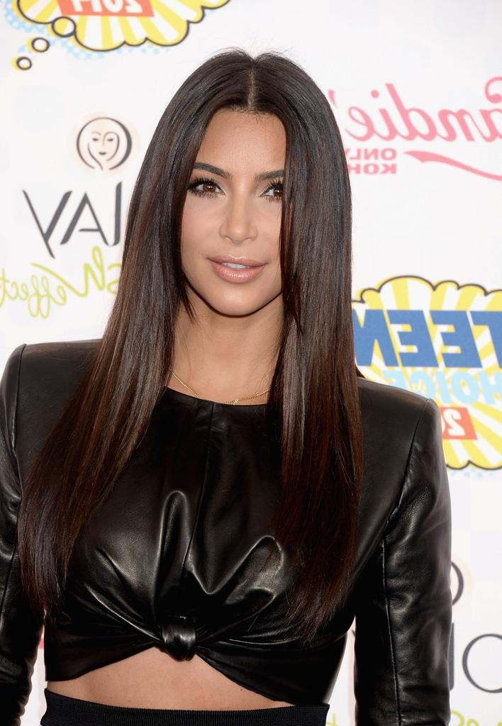 Kim Kardashian Long Straight Cut – Hair Lookbook – Stylebistro For Long Hairstyles Kim Kardashian (View 12 of 15)