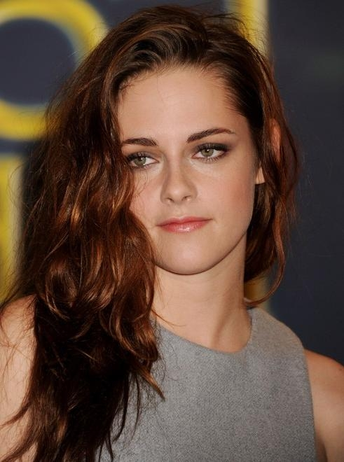 Kristen Stewart Long Hairstyle: Deep Side Part – Pretty Designs Inside Long Hairstyles Deep Side Part (View 13 of 15)