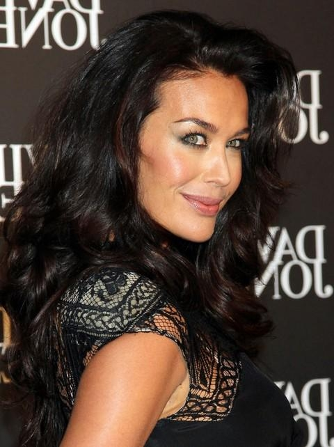 Megan Gale Long Hairstyle: Curls With Deep Side Part – Pretty Designs Throughout Long Hairstyles Deep Side Part (View 14 of 15)