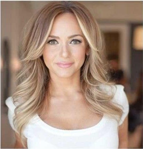 Middle Part Long Hairstyles – Popular Long Hair 2017 With Long Hairstyles With Part In The Middle (View 13 of 15)