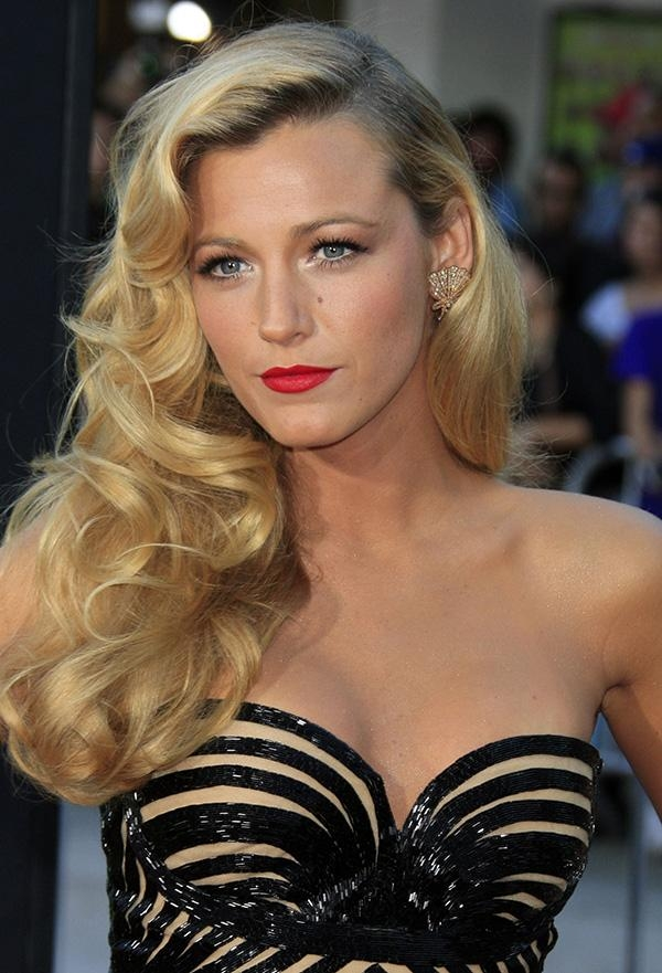 Old Hollywood Curls: A Glamorous Hairstyle For The Holidays | More Within Long Hairstyles Glamour (View 13 of 15)