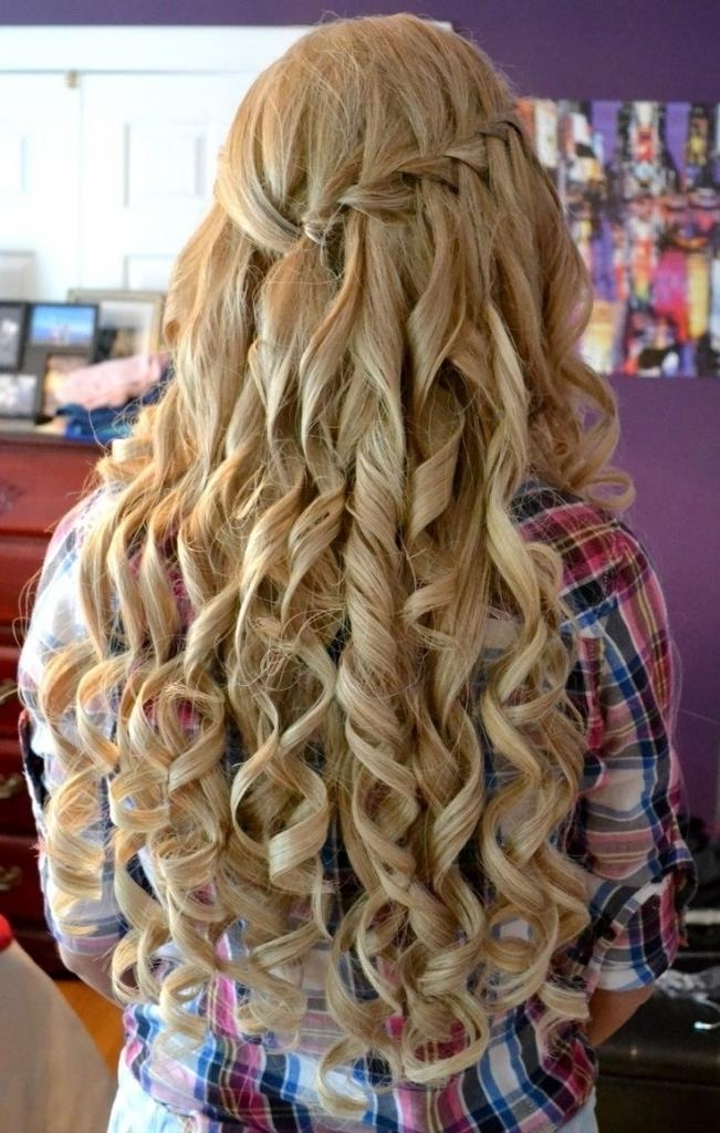 Prom Hairstyle Down And Curly – Popular Long Hairstyle Idea In Long Hairstyles Down For Prom (View 14 of 15)