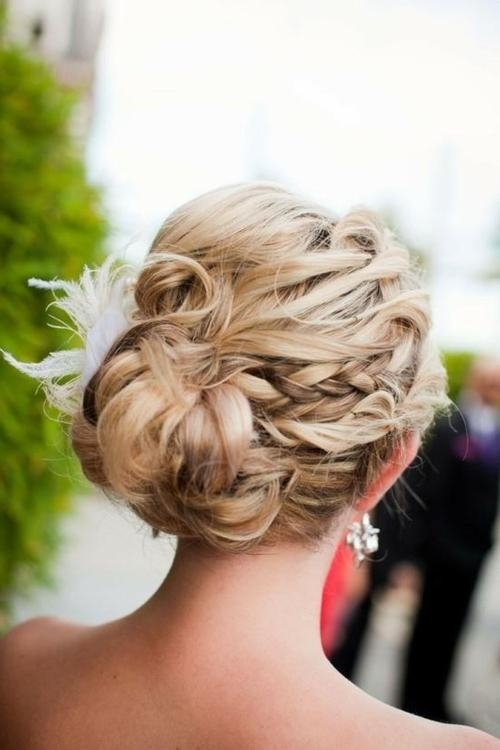 Prom Updo Ideas 2014: Stunning Prom Hairstyle For Long Hair With Long Hairstyles Updos  (View 13 of 15)