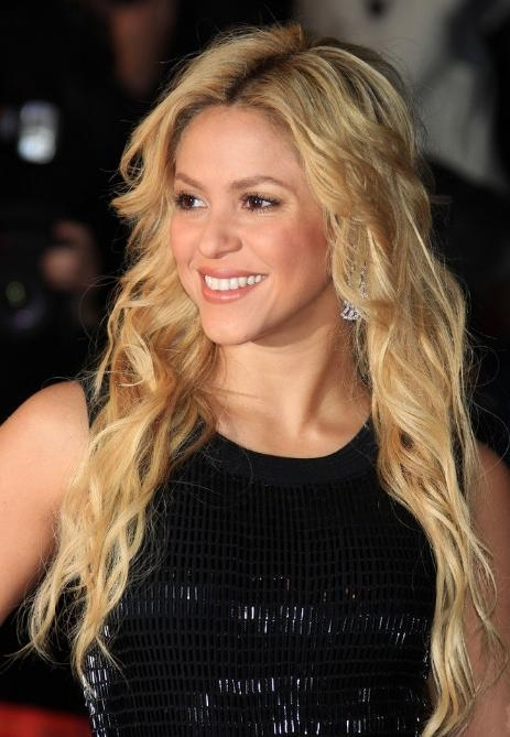 Red Carpet Long Hairstyles 2013 From Shakira – Hairstyles Weekly Within Long Hairstyles Red Carpet (View 12 of 15)