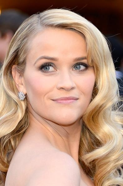 Reese Witherspoon Long Curls – Reese Witherspoon Long Hairstyles With Regard To Long Hairstyles Reese Witherspoon (View 9 of 15)