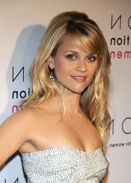 Reese Witherspoon Long Wavy Cut With Bangs – Reese Witherspoon In Long Hairstyles Reese Witherspoon (View 15 of 15)