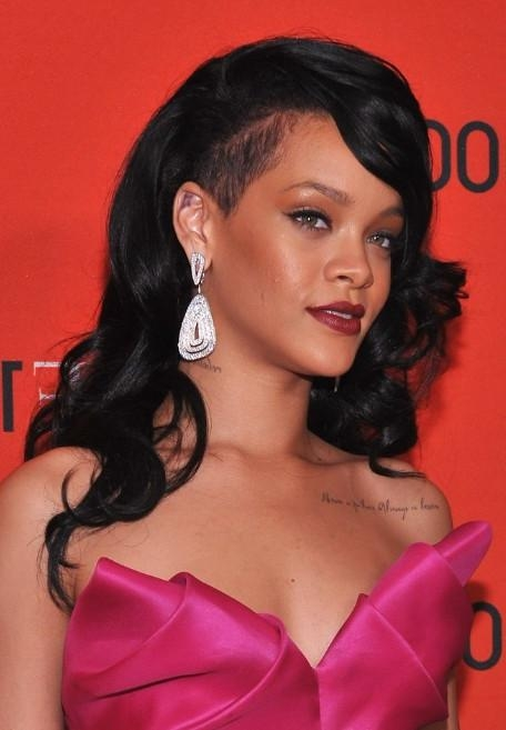 Rihanna Long Hairstyles: Layered Black Wavy Hair Style With Side Throughout Long Hairstyles Black (View 11 of 15)