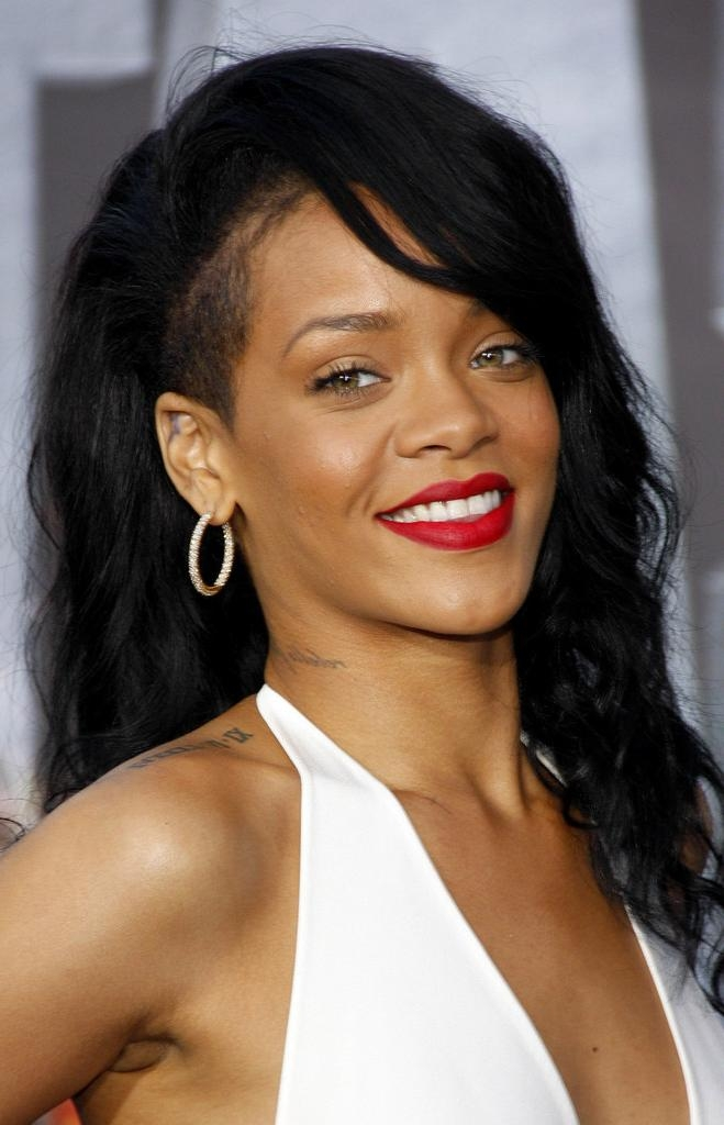 Rihanna Long Hairstyles – Rihanna Hair – Stylebistro Inside Long Hairstyles Rihanna (View 13 of 15)