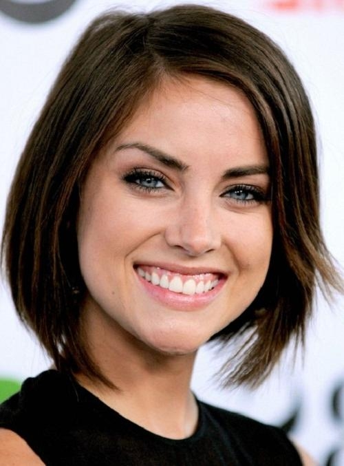 Short Hairstyles For Oval Faces And Thick Hair – New Hairstyles With Regard To Long Hairstyles Oval Faces Thick Hair (View 11 of 15)