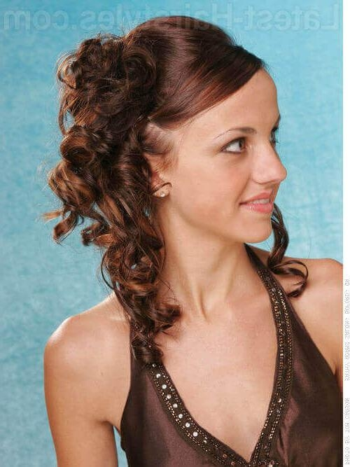 Show Off Your Beautiful Curls With These Curly Hair Updos Pertaining To Casual Hairstyles For Long Curly Hair (View 12 of 15)