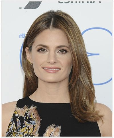 Stana Katic Hairstyles For Square Faces | Thehairstyler Intended For Long Hairstyles Square Face Shape (View 11 of 15)