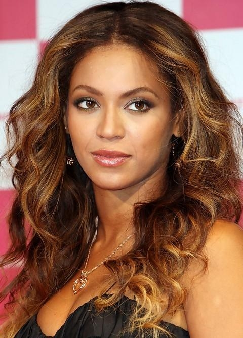 Top 23 Beyonce Knowles Hairstyles – Pretty Designs For Long Hairstyles Centre Parting (View 14 of 15)