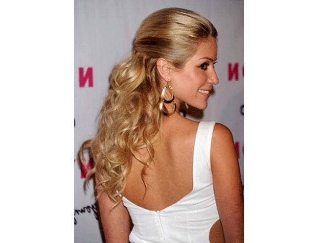 Top 4 Half Up Half Down Wedding Hairstyles With Regard To Long Hairstyles Half Pulled Back (View 15 of 15)