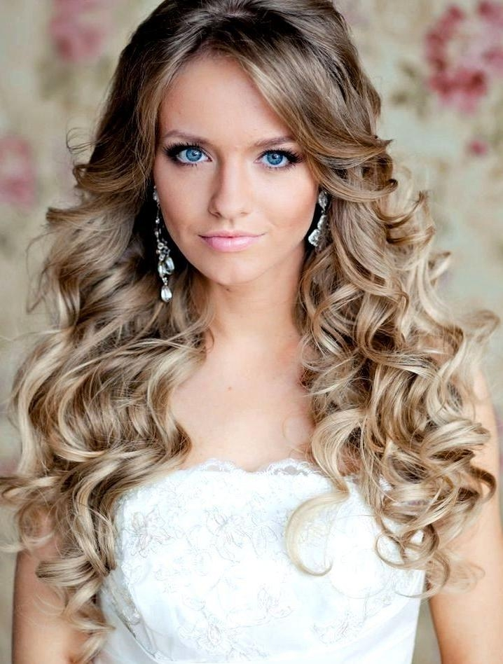 Wedding Hairstyles Down To The Side With Regard To Long Hairstyles Down For Wedding (View 6 of 15)