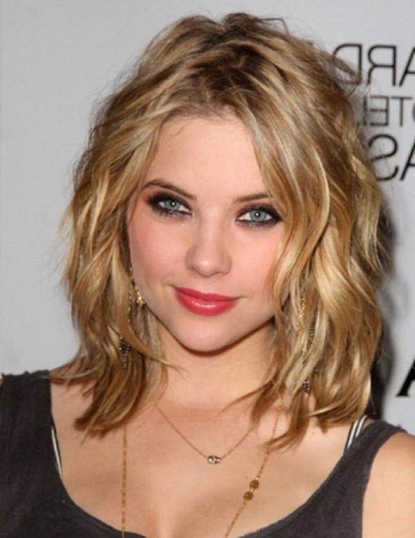 111 Best Layered Haircuts For All Hair Types [2017] – Beautified In Short Medium Hairstyles For Thick Hair (View 10 of 15)