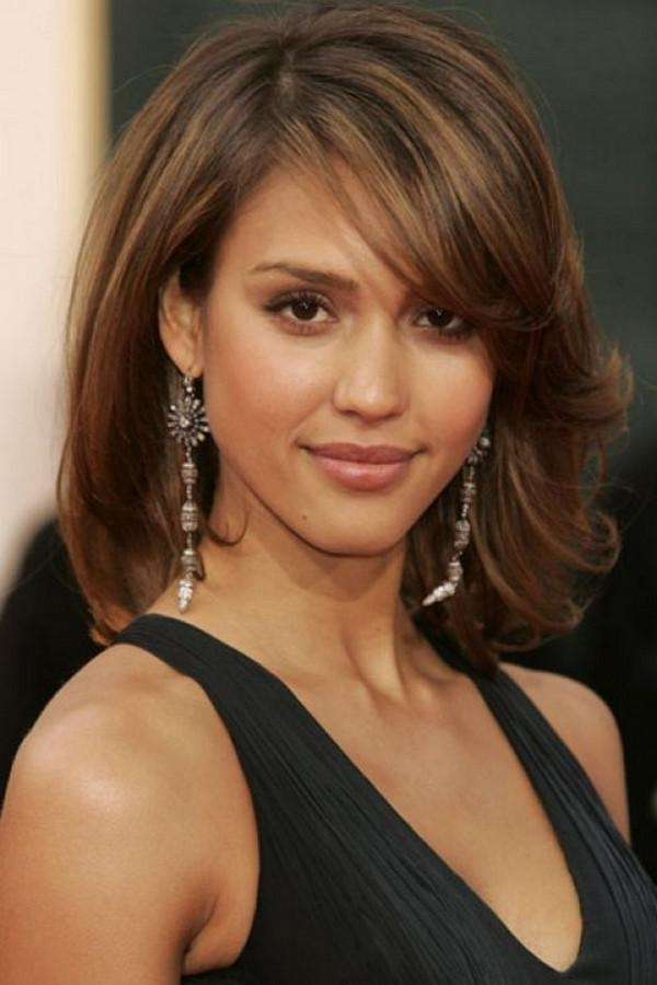 111 Best Layered Haircuts For All Hair Types [2017] – Beautified With Short Medium Hairstyles For Round Faces (View 11 of 15)