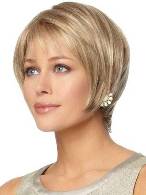Featured Photo of Short Haircuts For Women With Oval Face