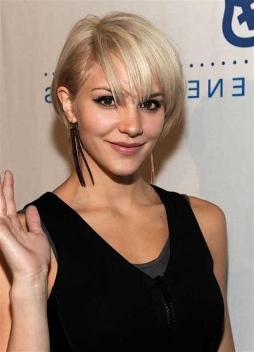 15 Short Hairstyles For Fine Straight Hair | Short Hairstyles 2016 Intended For Short Hairstyles With Bangs For Fine Hair (View 3 of 15)