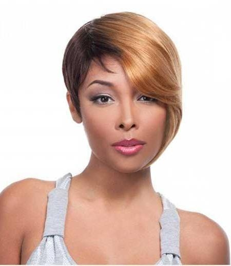 15 Short Weaves That Are Totally In Style Right Now Regarding Short Weaves For Oval Faces (View 7 of 15)