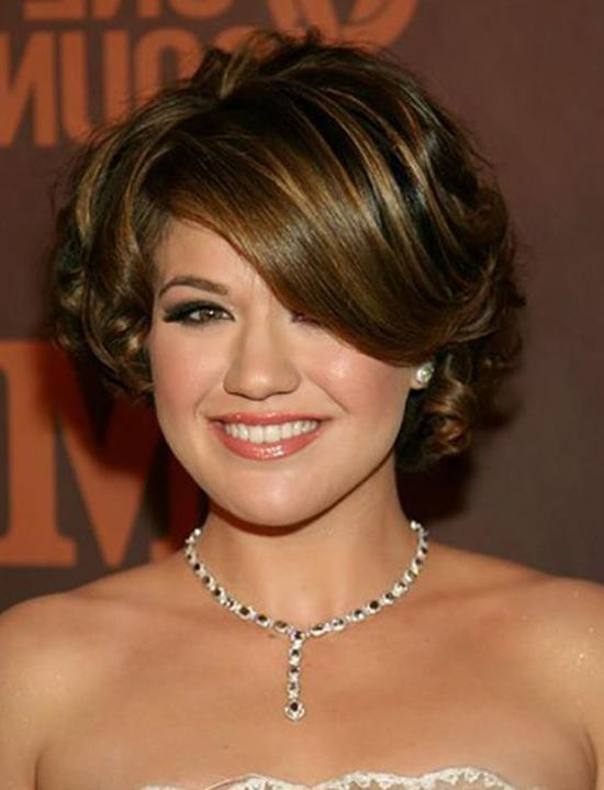 16 Trendy Kelly Clarkson Hairstyle Ideas For You Try It ! Intended For Kelly Clarkson Short Haircut (View 1 of 15)
