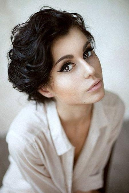 20 Popular Short Haircuts For Thick Hair – Popular Haircuts With Short Cuts For Wavy Hair (View 4 of 15)