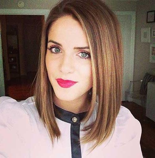 Photo Gallery of Short Medium Straight Hairstyles (Viewing 4 of 15 ...
