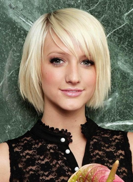 2014 Hair Trends: Cute Short Blonde Straight Hairstyle With Bangs For Short Blonde Hair With Bangs (View 13 of 15)