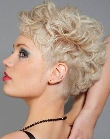21 Lively Short Haircuts For Curly Hair | Styles Weekly Intended For Hairstyles For Short Curly Fine Hair (View 6 of 15)