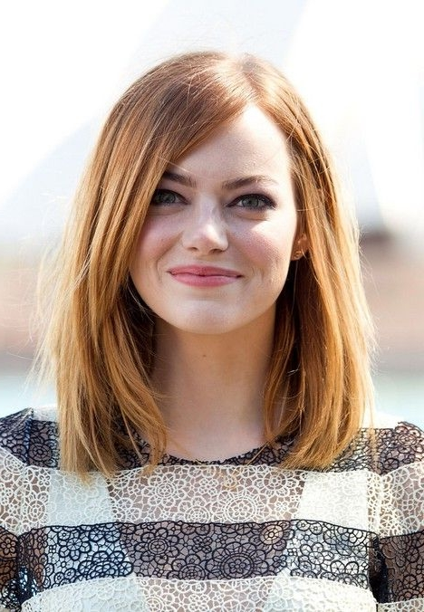21 Trendy Hairstyles To Slim Your Round Face – Popular Haircuts Within Short Medium Hairstyles For Round Faces (View 3 of 15)