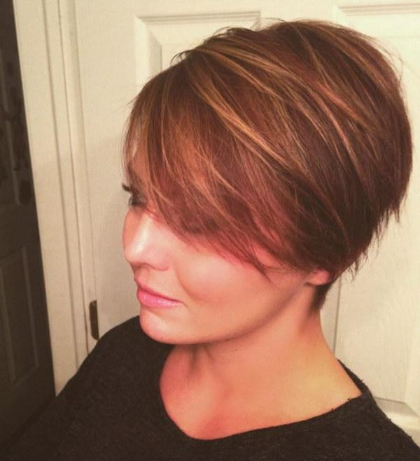 25 Beautiful Short Haircuts For Round Faces 2017 For Short Hairstyles For Women With Round Faces (View 15 of 15)
